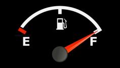 Có nên giữ cho bình xăng luôn đầy?