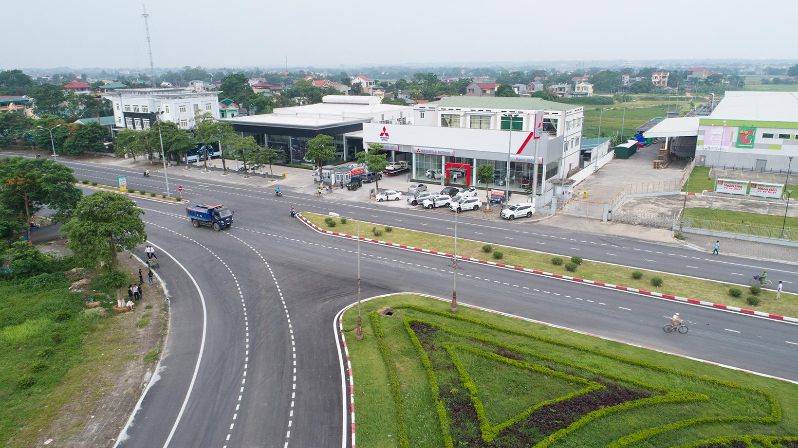 Mitsubishi khai trương đại lý đầu tiên tại Việt Trì