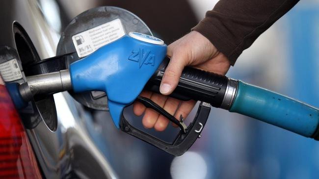 bơm nhầm xăng vào ô tô chạy dầu