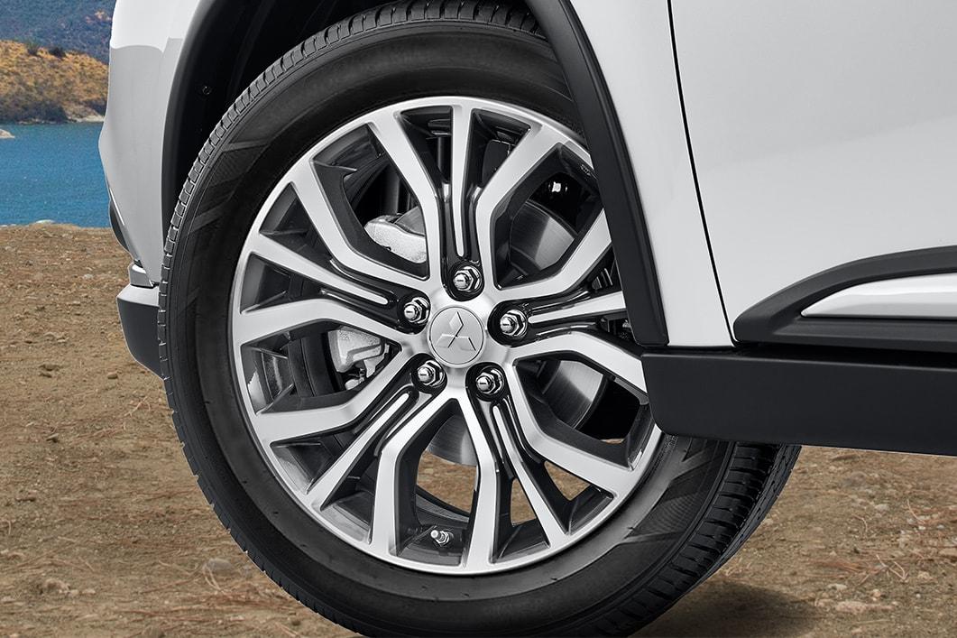Mitsubishi Outlander mới: 3 phiên bản 7 chỗ, nhiều nâng cấp, chất lượng Nhật Bản