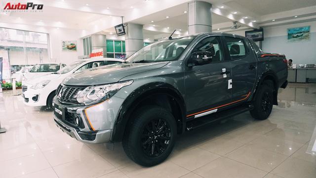 Đối thủ Ford Ranger Wildtrak - Mitsubishi Triton Athlete xuất hiện sớm