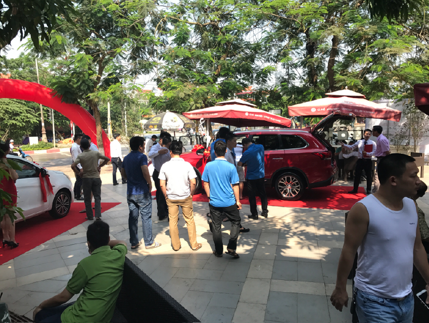 Trưng bày và lái thử xe Mitsubishi tại thành phố Thái Bình